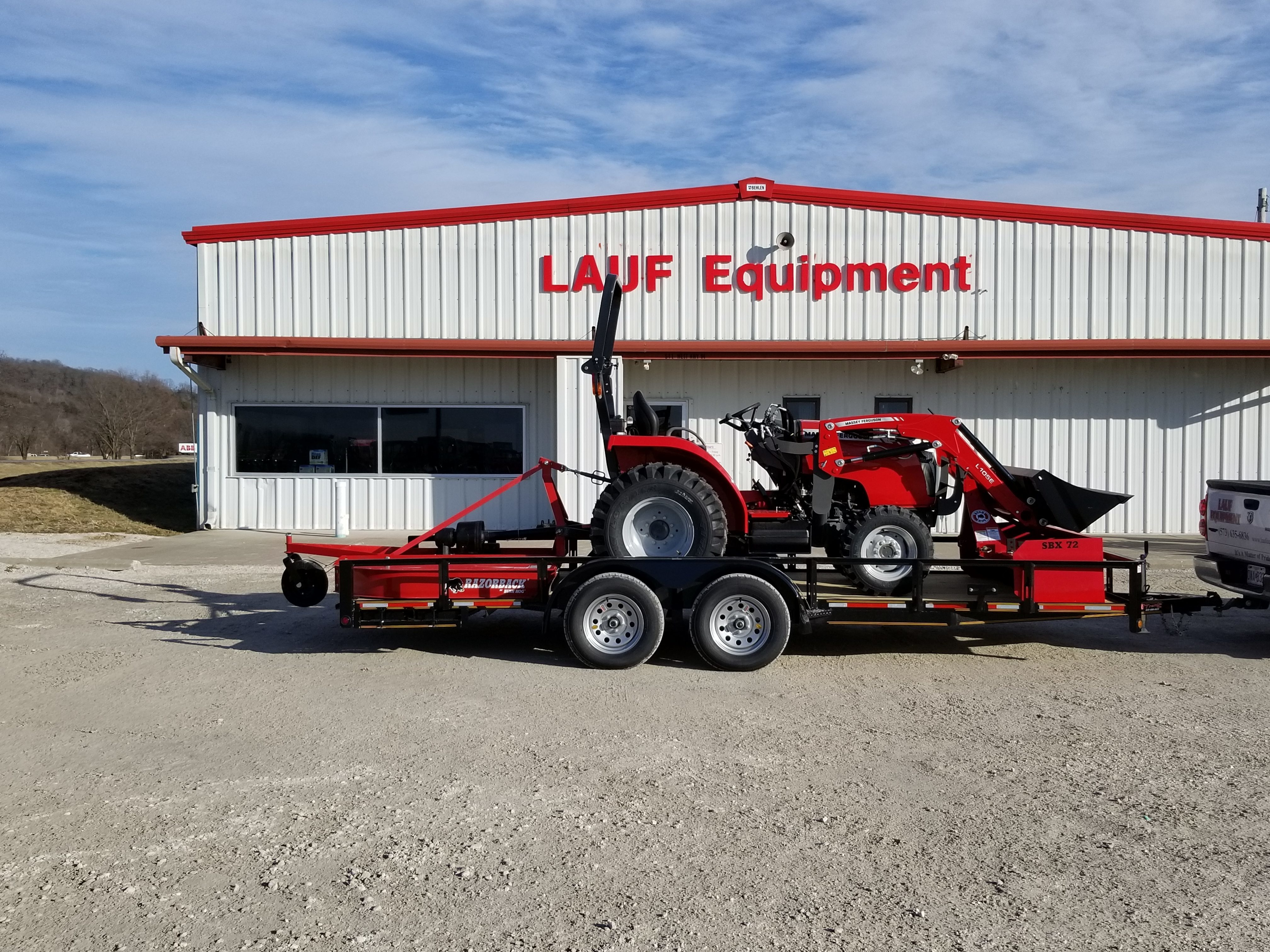 Massey Ferguson 1726E Trailer Package